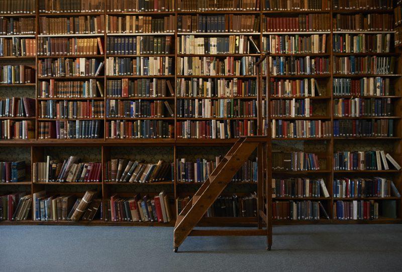 Jak zorganizować przeprowadzkę biblioteki?